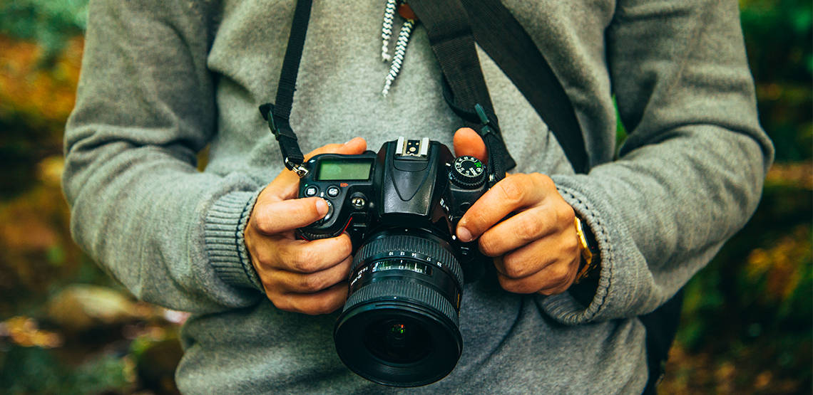 Travel Vlogging 101: How to Make Videos to Share Your Travels