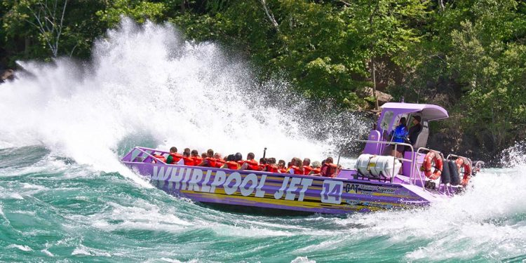 Jet boat on the Niagara River