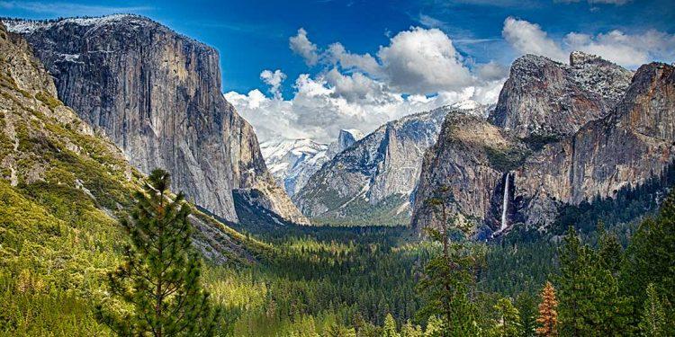 towering granite cliffs of Yosemite National Park