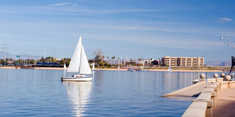 A sail boat on a lake in Tempe, Arizona