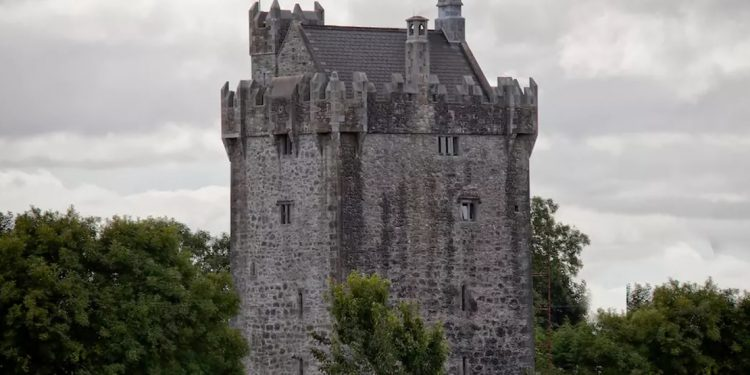 King of the Castle, Galway, Ireland
