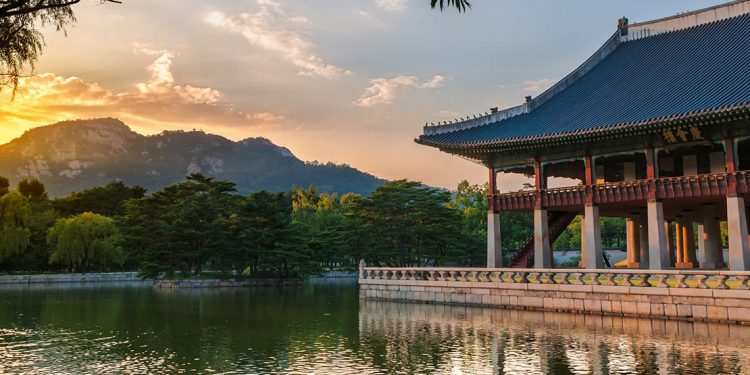 Gyeongbokgung palace on the water
