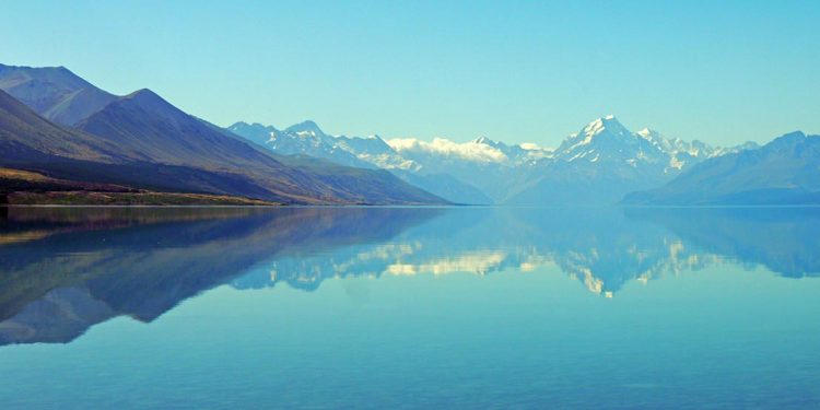 Aoraki/Mt Cook reflected in Lake Pukaki