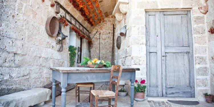 Typical italian farmhouse in Puglia