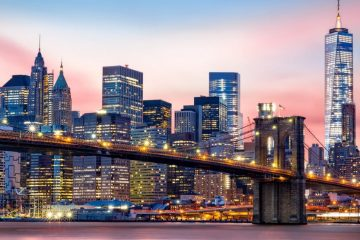 The Brooklyn Bridge against the lower Manhattan Skyline