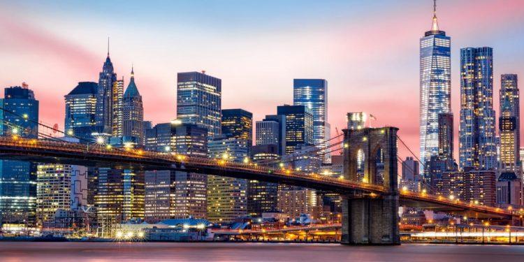 The Brooklyn Bridge against the lower Manhattan Skyline