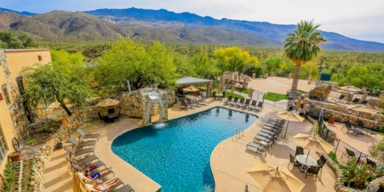 Tanque Verde Ranch Swimming Pool