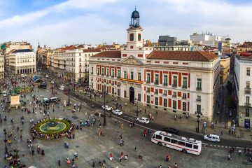 Plaza in Madrid with lots of people