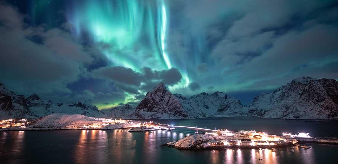Alaska's Northern Lights scenery.